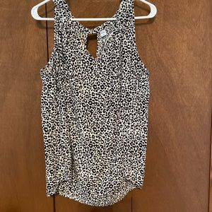 🖤Old Navy black and white Cheetah print sleeveless blouse 🖤